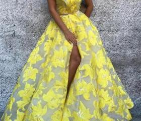 Yellow tulle side sl..