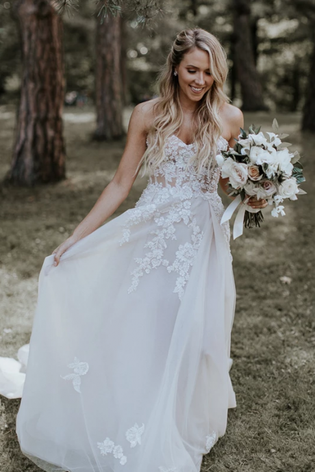 Ivory Sleeveless Lace Applique Tulle Wedding Dresses,Beautiful Sweetheart Strapless A-Line Wedding Dresses.W326