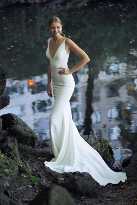 Elegant Mermaid Wedding Dresses, Sexy Deep V Neck Simple Sleeveless Bridal Gowns.W505