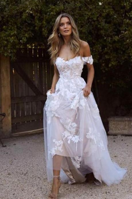 Romantic A-line Sweep Train Wedding Dress,Off-The-Shoulder Bridal Dress,Backless Beige Wedding Dress With Appliques.W1047