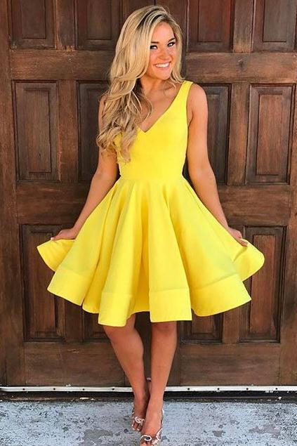 Cute V Neck Yellow Homecoming Dresses,Simple Sleeveless Short Prom Dresses,Party Dresses.PH1437