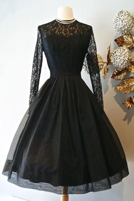 H1523 Vintage Style A-Line Knee-Length Long Sleeves Black Homecoming Dress with Lace