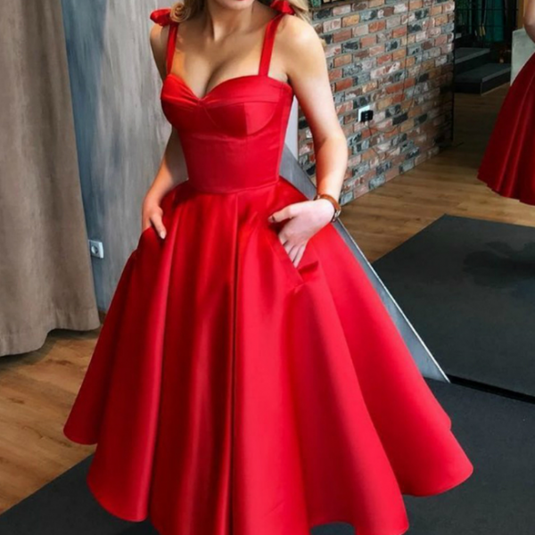 Red Sweetheart Homecoming Dress with Pockets,Charming Spaghetti Straps Sleeveless Satin Homecoming Gowns.HL345