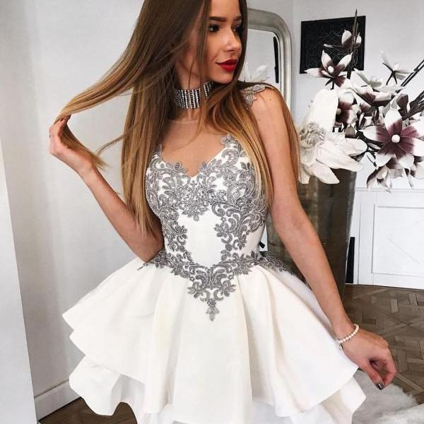 A-Line Round Neck Short Homecoming Dress,White Sleeveless Tiered Homecoming Dress with Appliques.MN1409
